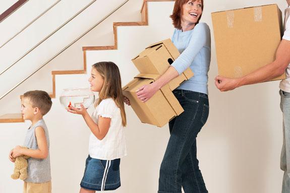 Takarékos költöztetés Debrecen - Barátai, vagy rokonai segítségével Ön intézi a csomagolást, pakolást.